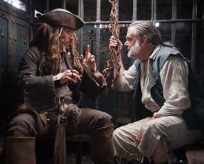Piraci z Karaibów: Zemsta Salazara 2D napisy