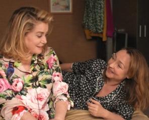 Dwie kobiety - Wakacyjne Podróże Filmowe